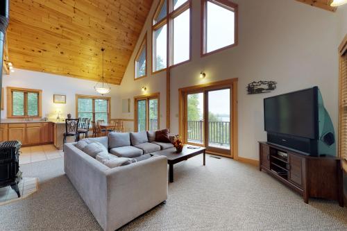 Hillside Lake Views -  Vacation Rental - Photo 1