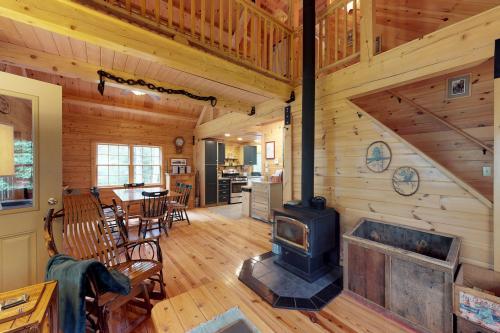 Bobcat Cabin - Greenville, ME Vacation Rental