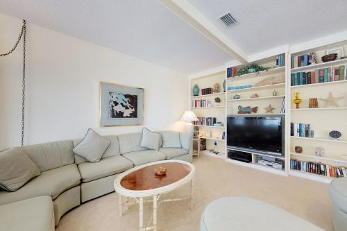 Gulf Bay Breeze -  Vacation Rental - Photo 1