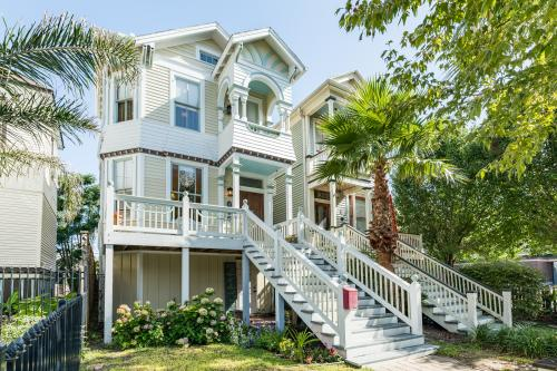 The Mirror Image - Galveston, TX Vacation Rental