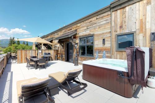 Mountain Rustic Penthouse Condo -  Vacation Rental - Photo 1