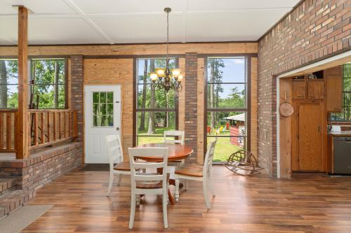 Honey Hill River House - White Oak, GA Vacation Rental