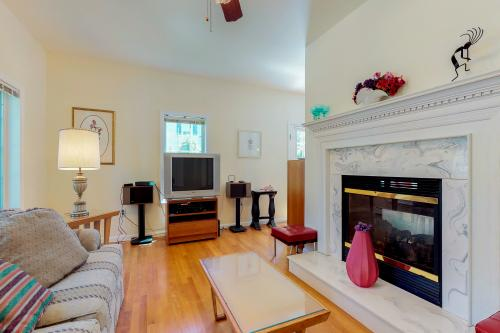 Clyde's Nook  -  Vacation Rental - Photo 1
