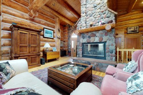 Lake View Log Home -  Vacation Rental - Photo 1