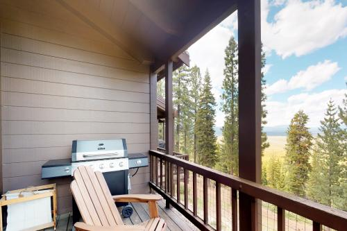 Mountain Luxury at Indian Wells -  Vacation Rental - Photo 1