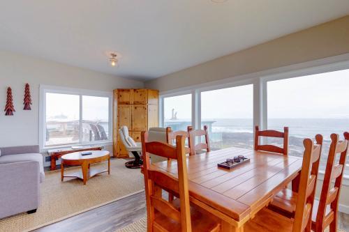 Rocky Shores Upper Level -  Vacation Rental - Photo 1