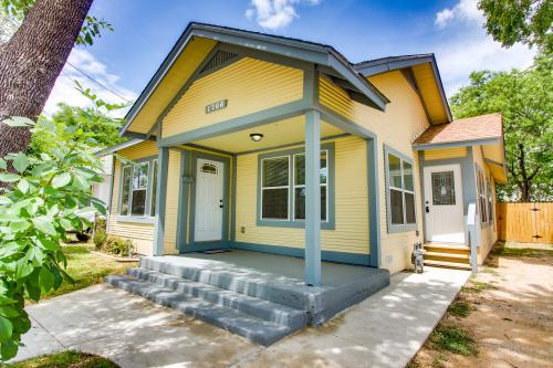 Yellow Dahlia - San Antonio , TX Vacation Rental