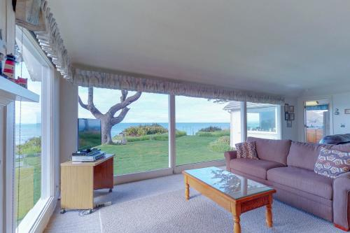 Vacation Home at Lighthouse Beach - Charleston, OR Vacation Rental