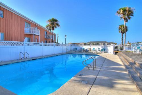 Anchor Resort 204 -  Vacation Rental - Photo 1