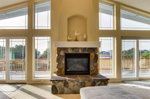 Beach Escape - Rockaway Beach, OR Vacation Rental