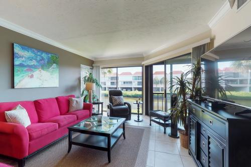 East Bay Chic -  Vacation Rental - Photo 1