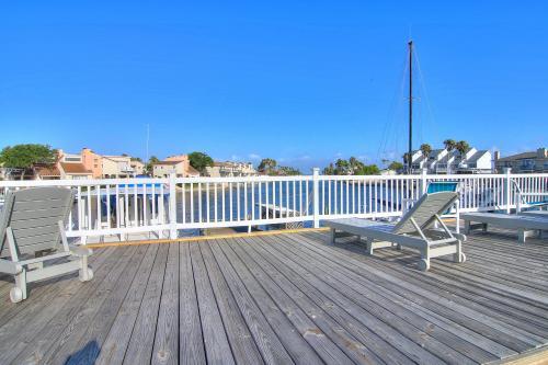Anchor Resort 214 -  Vacation Rental - Photo 1