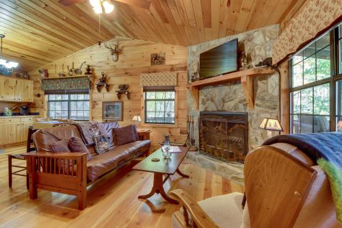Tree Song Mountain Creek Cabin - Ellijay, GA Vacation Rental