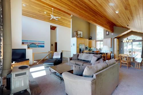 Sunrise Vista -  Vacation Rental - Photo 1