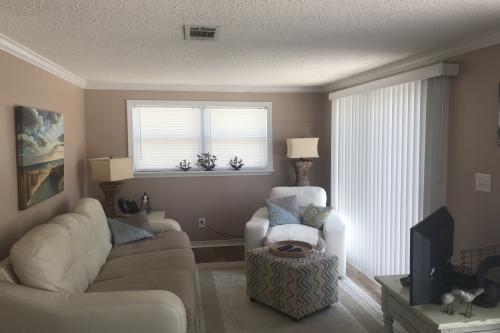 First Avenue Fantasy - Gulf Shores, AL Vacation Rental