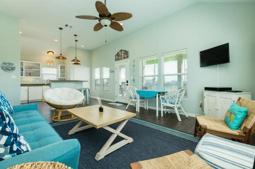 Bay Hideaway - Crystal Beach, TX Vacation Rental