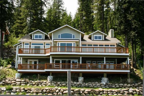 Beautiful Lakefront Custom -  Vacation Rental - Photo 1