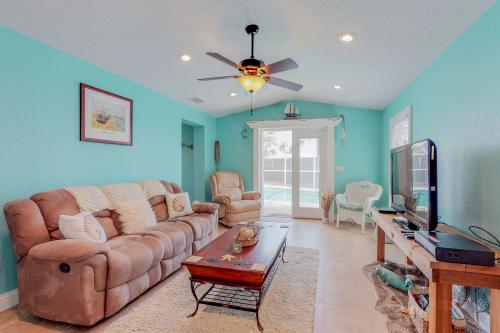 Tropical Cottage - Ormond-By-The-Sea, FL Vacation Rental