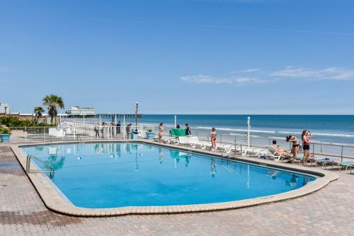 Daytona Inn 101 - Daytona Beach, FL Vacation Rental