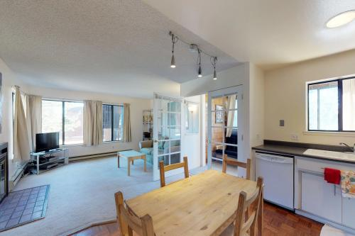 Snowpeak Condo -  Vacation Rental - Photo 1