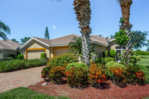 Lehigh Villa - Lehigh Acres, FL Vacation Rental
