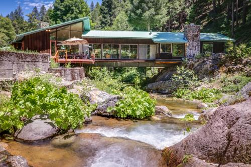 Sierra Bridge House - Downieville, CA Vacation Rental