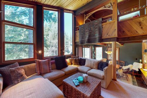 Treehouse in the Mountains - Alpine Meadows, CA Vacation Rental