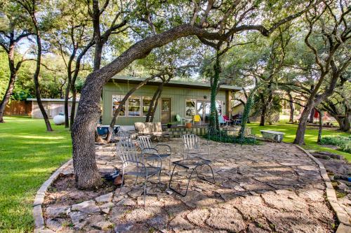 West Beach Cabin - Austin, TX Vacation Rental