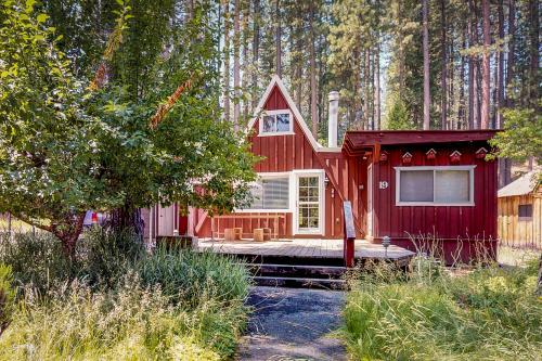 Quaint and Rustic Coziness  - Blairsden, CA Vacation Rental