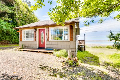 Happy Camp Beachfront Cabin - Netarts, OR Vacation Rental
