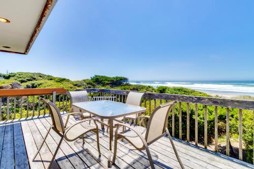 Chris's Oceanfront Getaway -  Vacation Rental - Photo 1