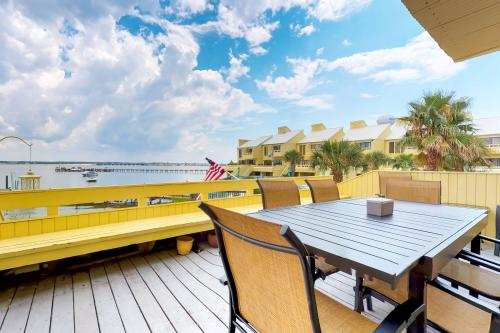 Navarre Bay Hideaway - Navarre, FL Vacation Rental