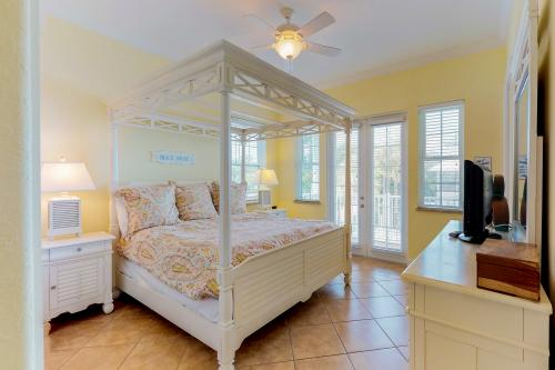 Almost Gulf Front  - Holmes Beach, FL Vacation Rental