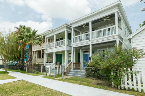 Beach Dream -  Vacation Rental - Photo 1