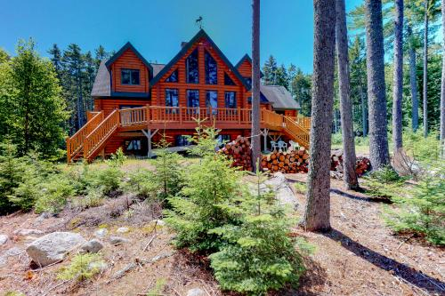 Beaver Cove Relaxation - Beaver Cove, ME Vacation Rental