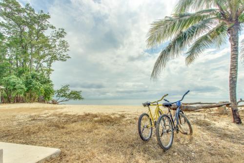 Oceanus Cabanas - Dangriga, Belize Vacation Rental