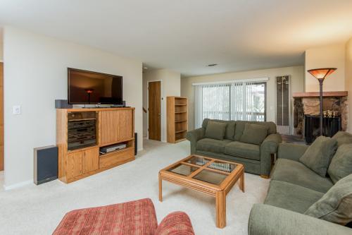 Cedar Hills Hideaway - Groveland, CA Vacation Rental