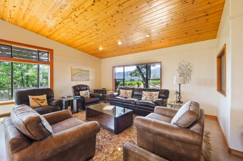 Barra Estate Lodge and Vineyard - Redwood Valley, CA Vacation Rental
