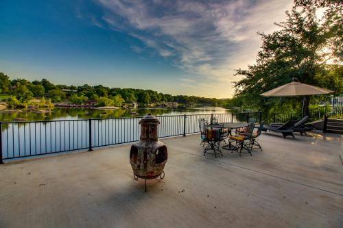The River House - Burnet, TX Vacation Rental