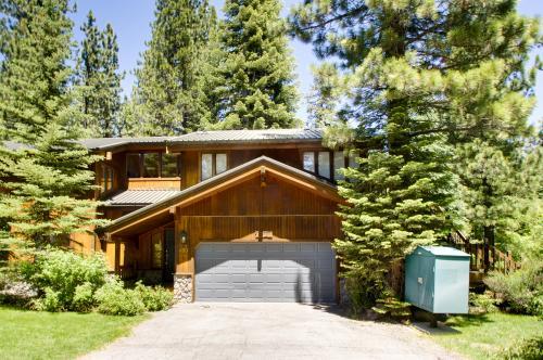 Park Avenue Tahoe Lodge - Homewood Vacation Rental