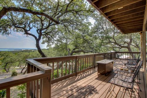Summit Bluff Sanctuary - Canyon Lake, TX Vacation Rental