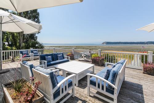 Ocean side Vista - Clinton, WA Vacation Rental