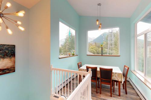 Main Street - Girdwood, AK Vacation Rental