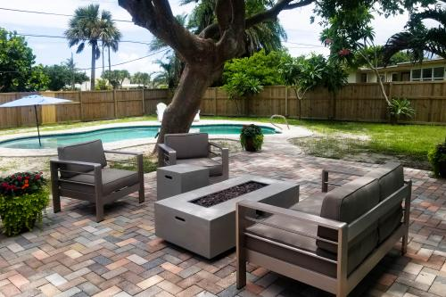 The Salt Life - Cocoa Beach, FL Vacation Rental