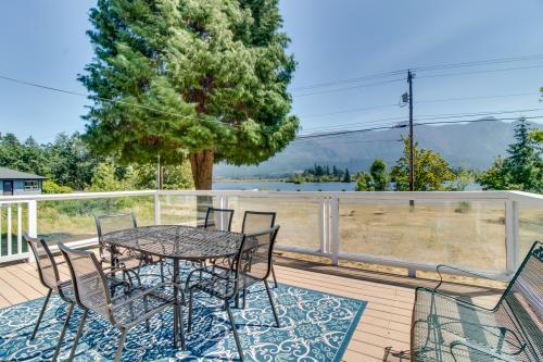 Rock Creek Lakehouse - Stevenson, WA Vacation Rental