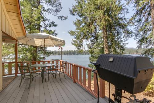 Grandpa's Hayden Lakefront Cabin - Hayden, ID Vacation Rental