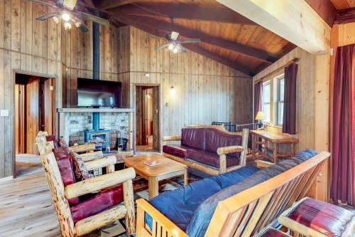 Rustic Retreat - Groveland, CA Vacation Rental