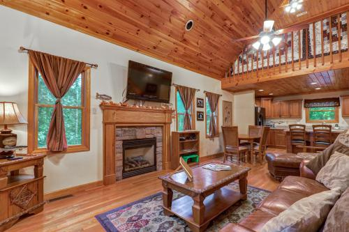 Cabin Fever - Townsend, TN Vacation Rental