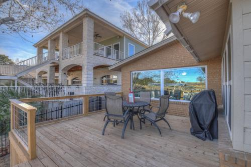 Ski Shores - Kingsland, TX Vacation Rental