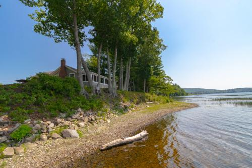 Appleton Lakefront Retreat - Appleton, ME Vacation Rental